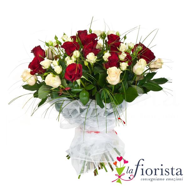 Molto Vendita Mazzo di Rose Rosse e Bianche. Consegna fiori a domicilio  IA67