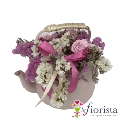Teiera con fiori stabilizzati