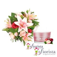 Bouquet lilium e rose rosa con crema viso pelli secche