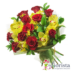 Mazzo rose rosse e orchidee gialle